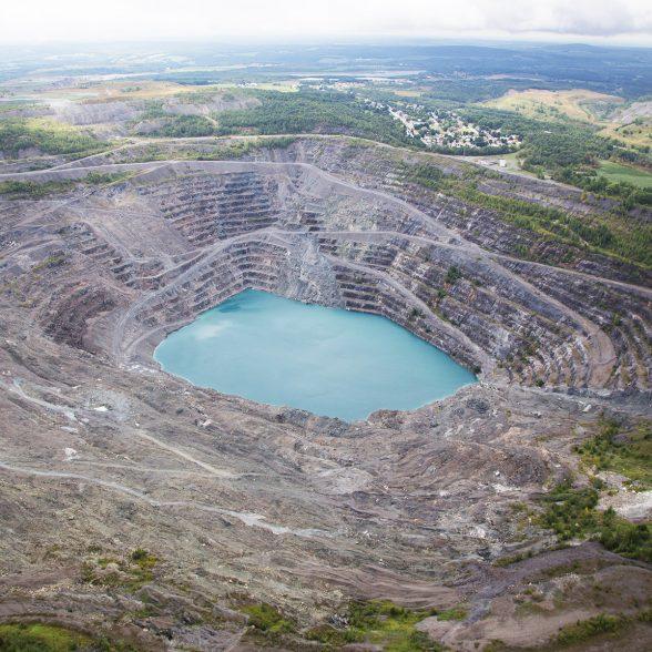 Survol des mines et et possibilité d'une halte gourmande